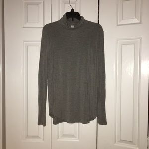 Old navy grey turtleneck long sleeve shirt